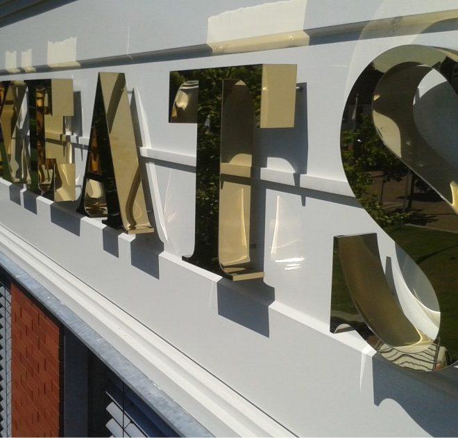 Spiegel goud letters
